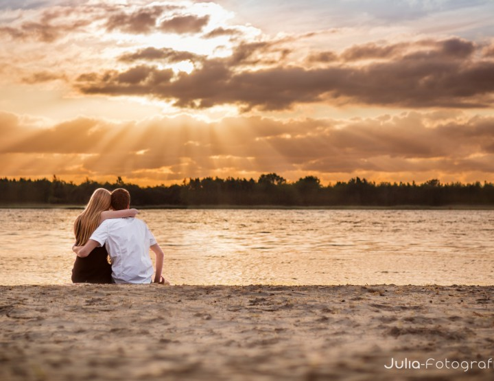 Loveshoot William en Wilmi bij strand Nulde